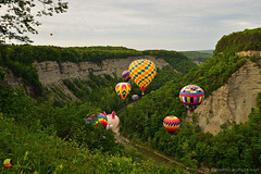 Balloon Crowd at the Gorge - 17th Annual Letchworth Red, White, and Blue Balloon Festival (DTE_1040) (masinka) Tags: etbtsy letchworth valley gorge genesee river rocks cliffs deep balloon festival hotair 2018 red white blue skyriders rally memorial day weekend saturday launch successful picturesque scenic beautiful event outdoors colors colorful
