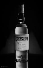 Cragganmore black&white (Claus Preuschoff) Tags: stilllife blackwhite studio tabletopphotography strobistflashstilllife strobe whiskeyshooting d5300 nikkor35f18 nikon