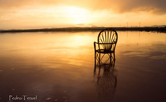 la otra silla (pedrojateruel) Tags: atardecer cielo rojo salinas de la mata torrevieja silla