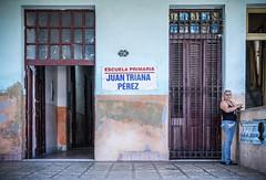 In Cuba (FedeSK8) Tags: cuba2011federicoscottofedesk8 school cuba scuola fedescotto door architecture