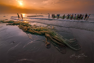 _U1H1943,0618 Early morning at Sam Son beach 01