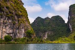TAM_5045 (T.N Photo) Tags: nikon nikond750 d750 travel landscape river mountains boats skullisland trangan quangbinh northvietnam vn vietnam 2470mm lightroom sky cave travelphotoghapher