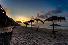 Amanhecer em Grumari - Rio de Janeiro (mariohowat) Tags: grumari praiadegrumari amanhecer alvorada canon6d sunrise nascerdosol brasil riodejaneiro