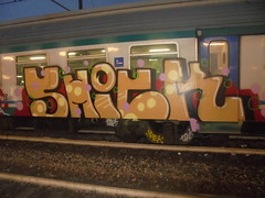 900 (en-ri) Tags: shick pevs crew rosso arancione nero train torino graffiti writing 18 2018