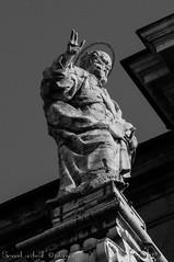 San Pietro - Cattedrale Metropolitana di Bologna - Statua del Frontone (frillicca) Tags: 2018 aprile art arte bologna cattedralemetropolitanadisanpietro catthedral facciata front nikkor nikkor18300mmf35 nikond300 sanpietro sculpture scultura statua statue