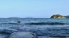 P1030206b (oberbayer) Tags: greece griechenland meer himmel felsen bucht welle wasser mittelmeer