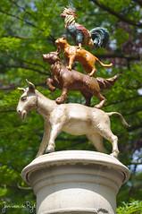 img_0001 (Jan van de Rijt) Tags: efteling canoneos50d debremerstadsmuziekanten donkey dog cat rooster canonef50mmf18 townmusiciansofbremen diebremerstadtmusikanten grimm