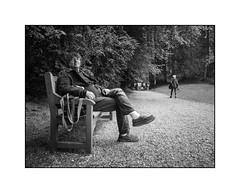 La pause (SiouXie's) Tags: noiretblanc blackwhite fujix20 fuji fujifilm siouxies portrait