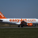 G-EZIP Airbus A319 EasyJet Airline Company Ltd thumbnail
