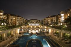 Villa Marina (jacysf) Tags: condominium luxuryresidence privatehousing clubhouse swimmingpool explore nightscape urban throughherlens createexplore longexposure nightphotography