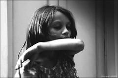 THE LISON'S HICKEY (Stéphanie Carraro Photography) Tags: stéphaniecarraro stephaniecarraro lapalomablanche photography photographie portrait littlegirl child enfant bw nb monochrome digital numérique sonydsch2 adobephotoshop