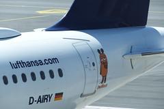 Der Maus Flieger (Elbmaedchen) Tags: airbus a321 diemaus mausflieger jet flughafen dairy a321100 flensburg lufthansa