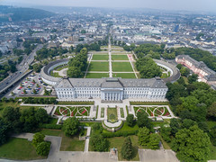 Luftbildaufnahme von Schloss Koblenz (marcoverch) Tags: 2018 germany phantom3 deutschland locationindependent dji travel digitalnomad koblenz luftaufnahme reiseblogger reisen aerial barcamp luftbildaufnahme aerialphotography rheinlandpfalz de bcko18 schlosskoblenz reise architecture diearchitektur noperson keineperson city stadt tree baum outdoors drausen antenne sight sicht town dorf house haus summer sommer roof dach sky himmel cityscape stadtbild nature natur building gebäude urban städtisch high hoch landscape landschaft water wasser india airport june brown outside bnw nikkor colours candy design