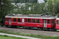 Rhätische Bahn RhB Triebwagen ABe 4/4 501 Fliegender Rhätier ( Baujahr 1939 - Hersteller SWS MFO BBC - Ursprünglich BCe 4/4 - Elektrotriebwagen ) bei Pontresina im Engadin im Kanton Graubünden - Grischun der Schweiz (chrchr_75) Tags: albumzzz201806juni juni 2018 hurni christoph schweiz suisse switzerland svizzera suissa swiss chrchr chrchr75 chrigu chriguhurni chriguhurnibluemailch zug train juna zoug trainen tog tren поезд lokomotive паровоз locomotora lok lokomotiv locomotief locomotiva locomotive eisenbahn railway rautatie chemin de fer ferrovia 鉄道 spoorweg железнодорожный centralstation ferroviaria kanton graubünden grischun rhb rhätische bahn bahnen meterspur schmalspur bergbahn retica viafier kantongraubünden albumbahnenderschweiz albumbahnenderschweiz20180106schweizer treno fest eisenbahnfest festival 10 jahre unesco welterbe