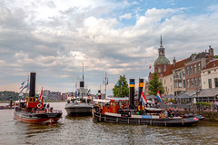 'Dordt in Steam (rudi.verschoren) Tags: hollanddordrecht steamer steam old naval parade ships water church people