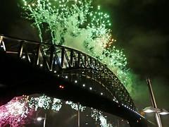 20180101_000232-P1280495 (dudegeoff) Tags: 20171231sydnewyearseve 2017 december newyearseve sydney night nsw fireworks