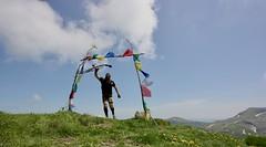 IMG_6044 (Marcia dei Tori) Tags: 2018 montespigolino italy skyrun marciadeitori mdt2018 caicarpi appennino appenninomodenese januacoeli paololottini running mountain italia emiliaromagna run sky flag tibetanflag