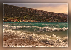 Baška (Kike K.) Tags: amateur landscape canon nature natural waves noises spring april primavera sky clouds drops water sea mediteranean adriatic island krk travel swimming bathing blue turquoise azure color white hiking walk sand sun light sunlight sunbathing crystal clear spray splash walking monochrome selective beautiful group wind 2017 baška bag prvić velebit croatia europe stones limestone lighthouse portrait people