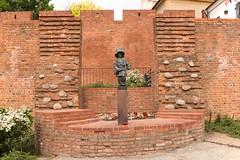 """The  """"Little  Insurrectionist"""",Warsaw,Poland (SONICGREGU) Tags: statue 35mm pomnik fullframe nikond610 nikon staremiasto oldtown polska poland warszawa warsaw pomnikmalegopowstanca thelittleinsurrectionist"""