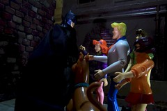 Paprihaven 1377 (MayorPaprika) Tags: 112 custom diorama toy story paprihaven action figure set canoneos50d scoobydoo fred daphne velma shaggy mysterygang character medicom mafex batman dc comics crosscutalley