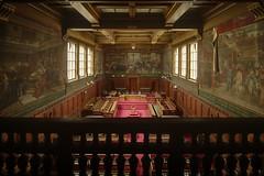 Tribunal Versus