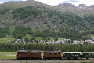 Rhätische Bahn RhB Lokomotive Ge 4/6 353 und Ge 2/4 222 bei Pontresina im Engadin im Kanton Graubünden - Grischun der Schweiz