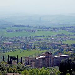 Campagna Senese, Toscana (pom'.) Tags: panasonicdmctz101 campagnasenese senese siena toscana torredelmangia italia italy tuscany europeanunion april 2018 200 100 300 5000