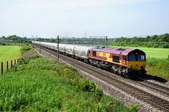 66183 6M90 Red Bank (cmc_1987) Tags: 66183 ews dbschenker dbcargo db railfreight 6m90 clitheroe avonmouth redbank br britishrail jt42cwr gm emd britishrailclass66 fiddlersferry cement locomotive diesel