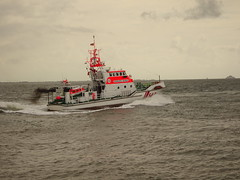 BERNHARD GRUBEN (Oli-unterwegs) Tags: seenotrettungskreuzer tochterboot bernhard gruben nordsee norddeutschland norderney meer schiff ship boot hafen johann fidi