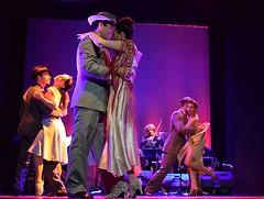 Escena Tango (anitareal) Tags: baile danza dance tango música orquesta bailarines parejas sensual teatro luces color arte blog anamaríareal fotorevista buenosaires argentina nikon