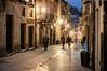 Callejeando (ccc.39) Tags: asturias españa oviedo calle zonaantigua gente nocturna noche ciudad edificios street city night urban