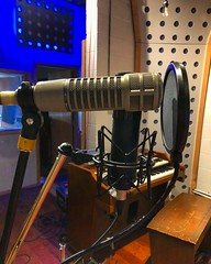 Singalong (Pennan_Brae) Tags: musicphotography musicproducer musicproduction studiolife singer singasong sing singing vocals recordingstudio musicstudio microphones microphone