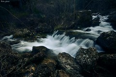 Water and rocks (Peideluo) Tags: water waterscape nature rocks river rio landscape naturaleza sierra montaña cascada agua roca río paisaje árbol hierba nikon españa