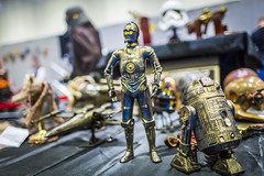 20180606_F0001: Steampunk C-3PO and R2-D2 toys (wfxue) Tags: starwars scifi c3po r2d2 droid bronze steampunk toy fictional character mcmcomiccon londoncomiccon event