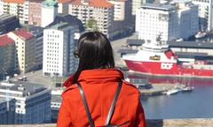 Life, the Universe and Everything (m_artijn) Tags: mount bergen fløyen norway girl woman orange view city
