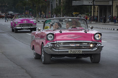Classic Cabriolet in Havana (kuhnmi) Tags: taxi cabriolet convertible classiccar oldtimer pink pinkcar pinkcabriolet havana havanna habana cuba kuba street road strasse chevrolet cab driving drive fahrt taxifahrt tourism tourist tourismus driver people sightseeing
