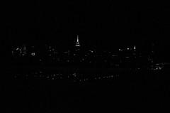 city lights (gguillaumee) Tags: film analog grain bw blackandwhite nb noiretblanc nyc newyork leica leicam7 summicron 35mm landscape city