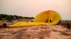 Angkor Wat - hot air balloons (cattan2011) Tags: 柬埔寨 traveltuesday travelphotography travelbloggers travel cambodia hotairballoons streetpicture streetphoto streetphotography streetart naturelovers natureperfection naturephotography nature landscapephotography landscape
