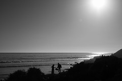Rendezvouz by the sea (mripp) Tags: art vintage retro old marokko black white mono landscape silhouette africa leica m10 summilux 50 taghazout migration refugees