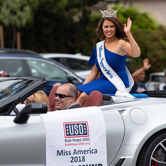 Cara Mund, Miss America 2018 (mark6mauno) Tags: caramund cara mund miss america 2018 bob hope uso 59thannualtorrancearmedforcesdayparade 59th annual torrance armed forces day parade nikkor 70200mmf28evrfled nikon nikond810 d810