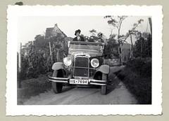 "Citroën C6 Cabriolet (Vintage Cars & People) Tags: vintage classic black white ""blackwhite"" sw photo foto photography automobile car cars motor 1930s thirties fashion dress lady woman girl citroën citroënc6 typec6 typec6f vineyards summer hat"