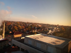11-09-17 Dayton 06 fall color (Chicagoan in Ohio) Tags: dayton clouds sun sunhalo leaves fallcolor