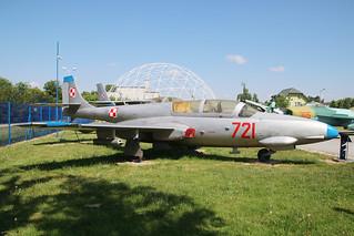 PZL-WSK Mielec TS-11 Iskra-bis B Polish Air Force 721