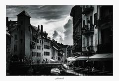 Annecy (artsphotography.fr) Tags: ville annecy nb bw city alps beauté lac vieille soleil nuages orage