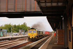 Two Stroke Clag. (Chris Baines) Tags: freightliner 66559 oxford crewe basford hall southampton mct liner