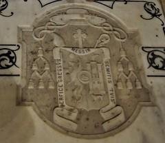Astorga (León-España). Catedral. Lápida sepulcral del obispo Antonio Senso Lázaro (santi abella) Tags: astorga león castillayleón españa catedraldeastorga heráldica escudos