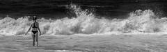 Il fait si chaud sur cette plage (brunomalfondet) Tags: vagues bikini noiretblanc plage maillotdebain colombie tayrona psp unepersonnedanslepaysage
