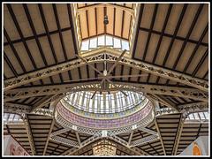 Paseando por Valencia (edomingo) Tags: edomingo olympusomdem10 mzuiko1240 valencia mercadocentral arquitectura