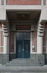 No. 2 (Maurits van den Toorn) Tags: kantoor office deur door ingang eingang entrance architectuur architecture denhaag thehague trap treppe stairs berlage