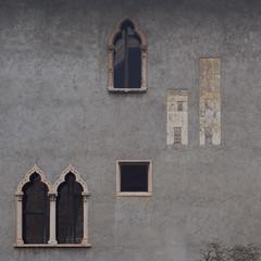 second thought (Cosimo Matteini) Tags: cosimomatteini ep5 olympus pen m43 mzuiko45mmf18 verona castelvecchio architecture wall windows secondthought